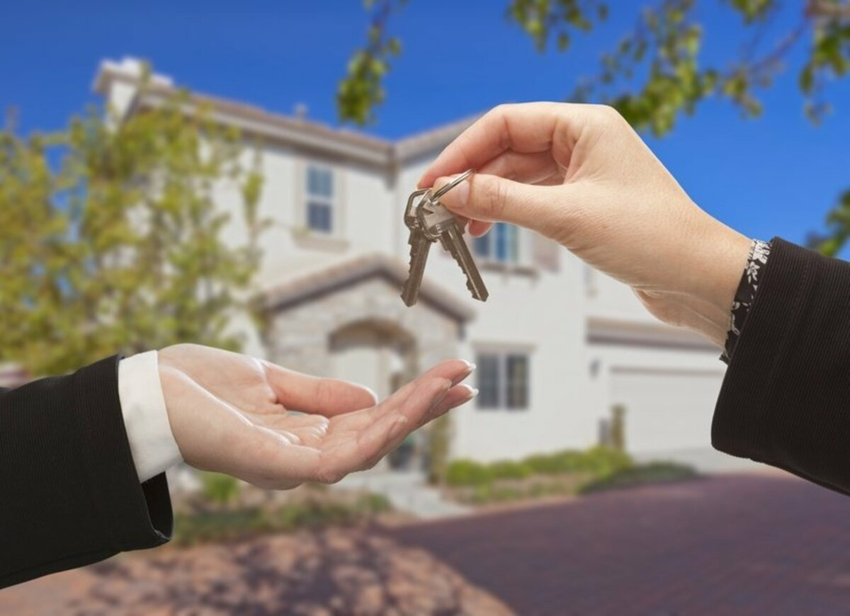 Does the house-buying season exist or is it in our brokers' imagination?